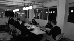réunion d'équipe dans la société HumanCraft